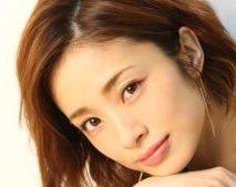上戸彩はhiroの浮気で離婚寸前!発表はいつ?離婚確定だができない理由は?